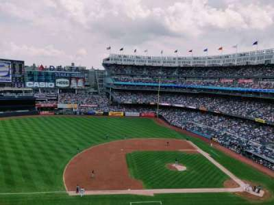 Yankee Stadium, secção: 325, fila: 2, lugar: 14