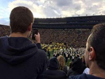 Michigan Stadium, secção: 44, fila: 2, lugar: 10