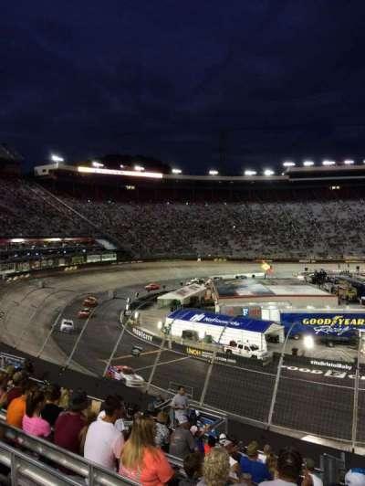 Bristol Motor Speedway, secção: Richard Petty, fila: 22, lugar: 4