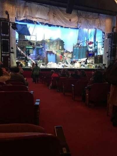 Cadillac Palace Theater, secção: Orchestra L, fila: P, lugar: 1