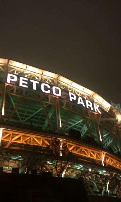 PETCO Park secção outside