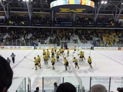 Yost Ice Arena, secção: 4, fila: 12, lugar: 10
