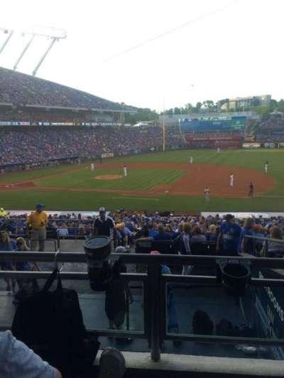 Kauffman stadium, secção: 237, fila: JJ, lugar: 3