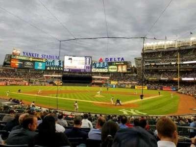 Yankee Stadium, secção: 121a, fila: 8, lugar: 4