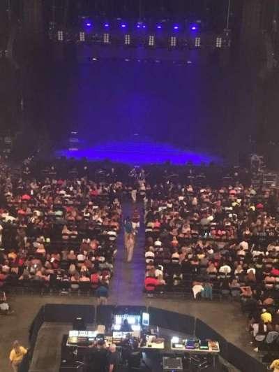 John Paul Jones Arena, secção: 308, fila: ADA, lugar: 5