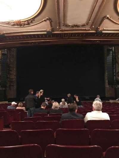 Palace Theatre (Broadway), secção: Orch Center, fila: T, lugar: 106