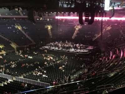 Madison Square Garden, secção: 208, fila: 2, lugar: 1