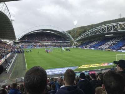 John Smith's Stadium, secção: The Chadwick Lawrence stand, fila: T, lugar: 142