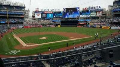 Yankee Stadium, secção: 218B, fila: 3, lugar: 6