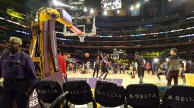 Staples Center, secção: 115, fila: 1, lugar: 4