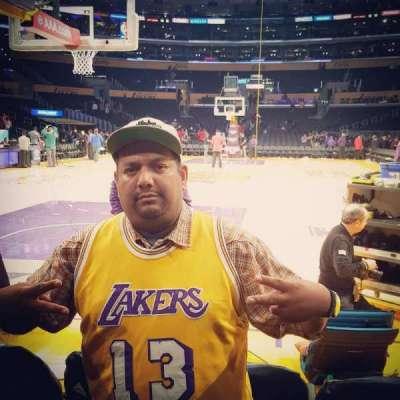 Staples Center, secção: 115, fila: AA, lugar: 4