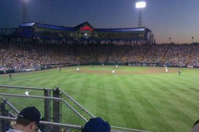 Rosenblatt Stadium, secção: right center field , fila: 10