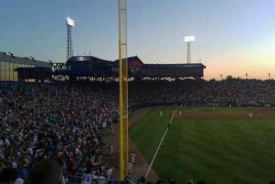 Rosenblatt Stadium, secção: right field , fila: 15