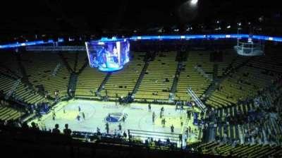 Oakland Arena secção 230