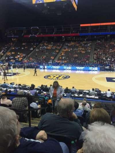 Jacksonville Veterans Memorial Arena, secção: 102, fila: M, lugar: 17