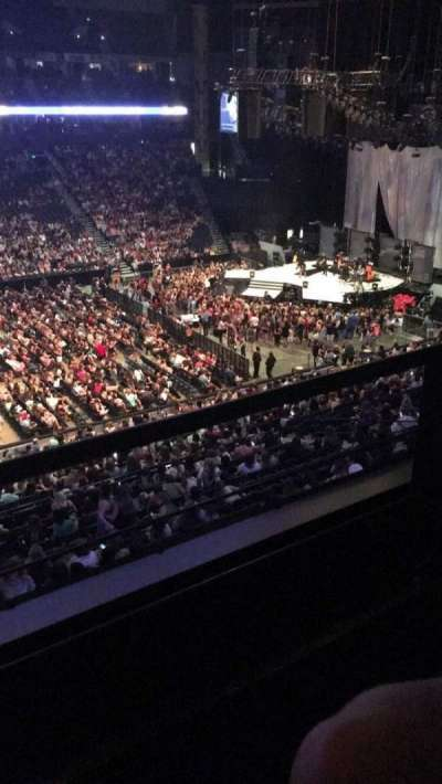 Bridgestone Arena, secção: 208, fila: D, lugar: 15