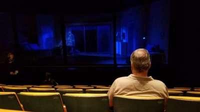 Tony Kiser Theatre, secção: Right Center, fila: F, lugar: 109
