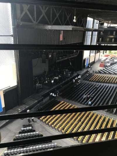 Hollywood Casino Amphitheatre (Tinley Park), secção: 329, fila: 1, lugar: 1