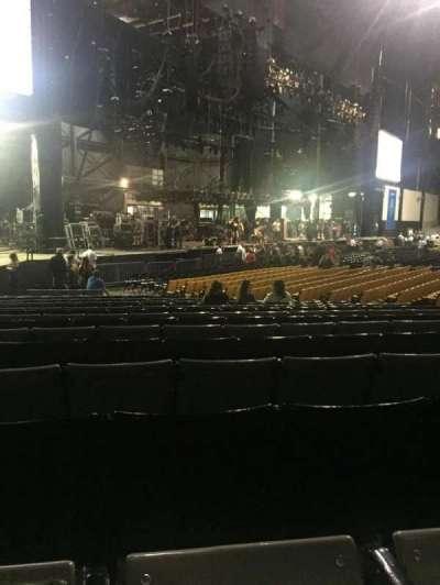 Hollywood Casino Amphitheatre (Tinley Park), secção: 105, fila: X, lugar: 22/23