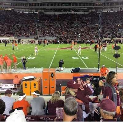 Lane Stadium, secção: 11, fila: H, lugar: 12