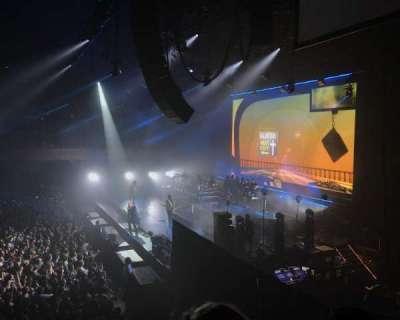 Bill Graham Civic Auditorium, secção: 210, fila: B, lugar: 6