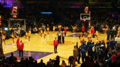 Staples Center, secção: 106, fila: 18