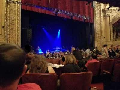 Chicago Theatre, secção: Main Floor L, fila: G, lugar: 205