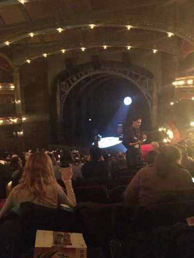 Lyric Theatre, secção: Dress Circle, fila: H, lugar: 8