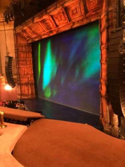 St. James Theatre secção MEZZ RIGHT