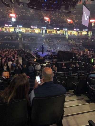John Paul Jones Arena, secção: 114, fila: M, lugar: 1
