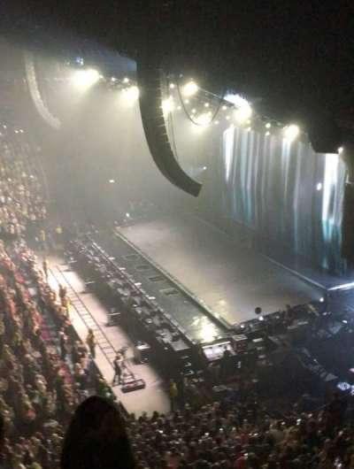 Manchester Arena, secção: 215, fila: C, lugar: 9-12