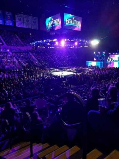 Nassau Veterans Memorial Coliseum, secção: 106, fila: 5, lugar: 1-2