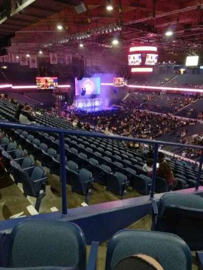 Allstate Arena, secção: 216, fila: L, lugar: 62