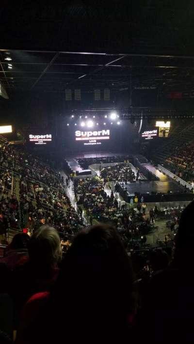 EagleBank Arena, secção: 110, fila: V, lugar: 18