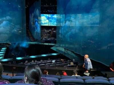 Love Theatre - The Mirage secção 202