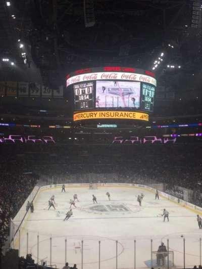 Staples Center, secção: 208, fila: 8, lugar: 17