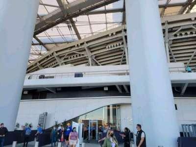 SoFi Stadium, secção: entry 11