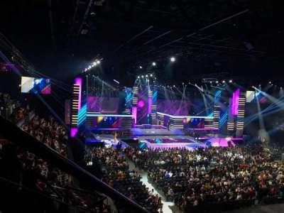 Mandalay Bay Events Center, secção: 211, fila: E, lugar: 7