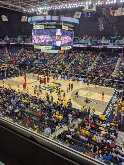 Greensboro Coliseum, secção: 214, fila: A, lugar: 5