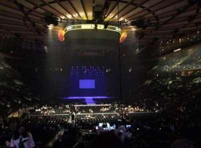 Madison Square Garden, secção: 102, fila: 15, lugar: 4