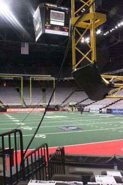 Jacksonville Veterans Memorial Arena, secção: 121, fila: D, lugar: 8