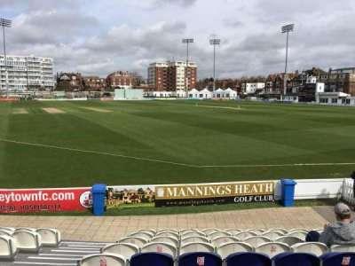 County Cricket Ground (Hove), secção: A, fila: J, lugar: 10