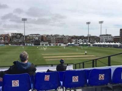 County Cricket Ground (Hove), secção: Upper Grandstand J, fila: Bench