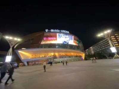 T-Mobile Arena secção Outside