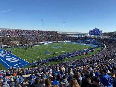 Falcon Stadium, secção: M12, fila: W, lugar: 31