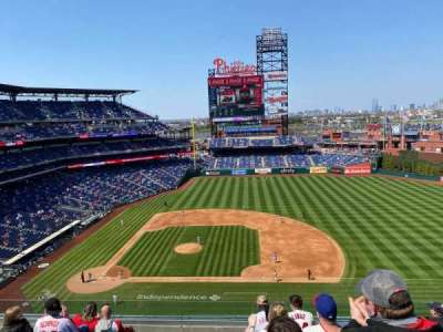 Citizens Bank Park, secção: 315, fila: 8, lugar: 9