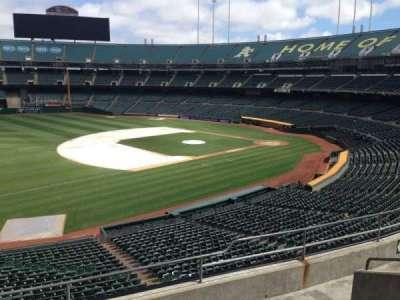 Oakland Coliseum, secção: 226, fila: 3