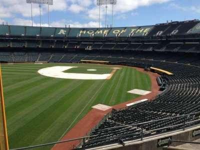 Oakland Coliseum, secção: 231, fila: 3
