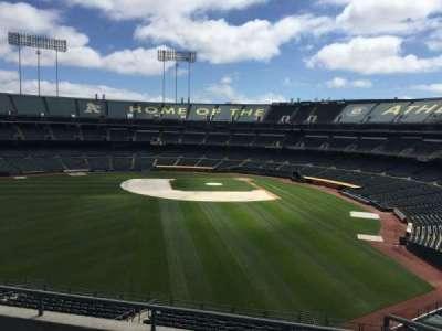 Oakland Coliseum, secção: 235, fila: 2