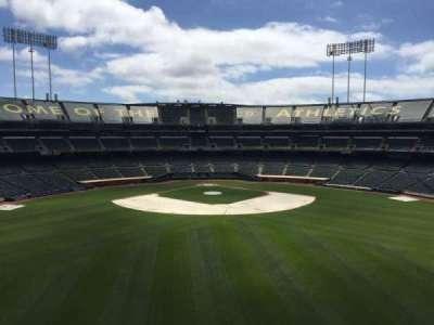 Oakland Coliseum, secção: 243, fila: 2